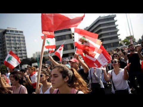 لبنان يحتفل بعيد الاستقلال في خضم الاحتجاجات المستمرة منذ أكثر من شهر  - نشر قبل 3 ساعة