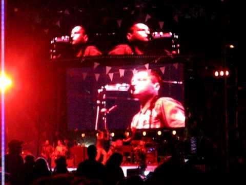 Arcade Fire - Neighborhood #2 (Laika)  - 16/04/2011