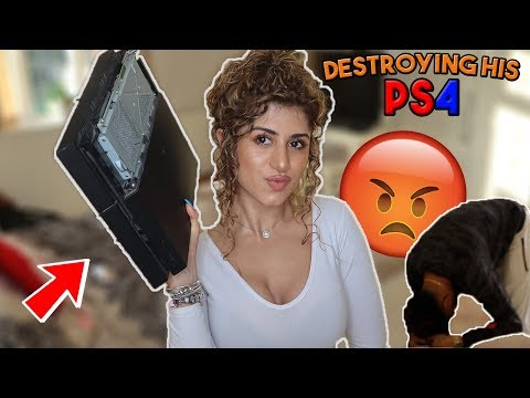 DESTROYING BOYFRIENDS PS4 PRANK! *HE LEAVES ME!*
