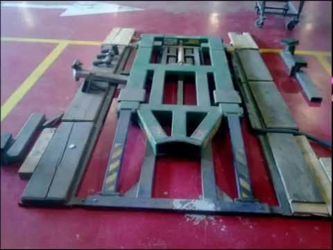 Стапеля,спотер,захваты,инструмент рихтовщика в Израиле.Центральный гараж Пежо-Ситроен 2010 год.