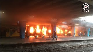 Train in Cape Town on fire - again