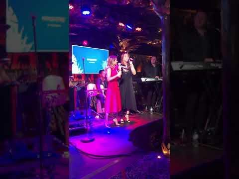 Melanie C & Geri Halliwell - 2 Become 1 (Live at Childline 2018) FULL PERFORMANCE