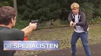 Versehentlich die eigene Mutter angeschossen | Auf Streife - Die Spezialisten | SAT.1 TV