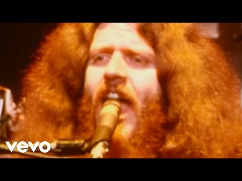 Kansas - Carry on Wayward Son (Offiical Video)