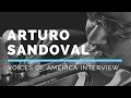 Capture de la vidéo Arturo Sandoval | Voices Of America Interview