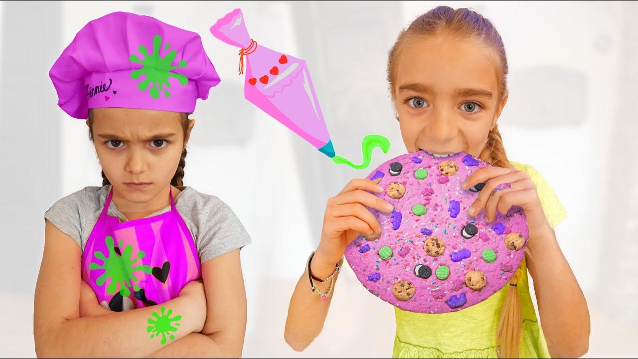 Gisele y Claudia decoran galletas para merendar Las Ratitas videos for kids