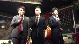2016年5月17日、大阪道頓堀の「おぼらだれん」で、沖縄のお笑い芸人ユニ...