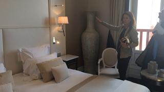 Visite de L'hôtel de luxe L'Hermitage-Barrière qui termine sa rénovation
