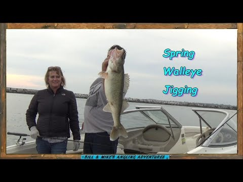 Spring Walleye Jigging - 11lb 9oz Fish - Got My Limit