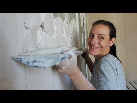 Как правильно штукатурить стены своими руками с маяками видео