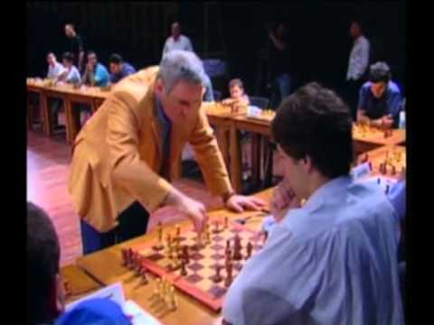 Chess 'Simul' Game  - Garry Kasparov Against 30 Players