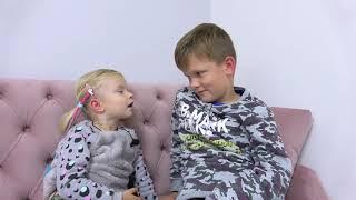 София покупает СЕБЕ ПОДАРКИ на День Рождения. Софунья Шалунья