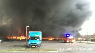 Voldsom brand på skole i Greve.