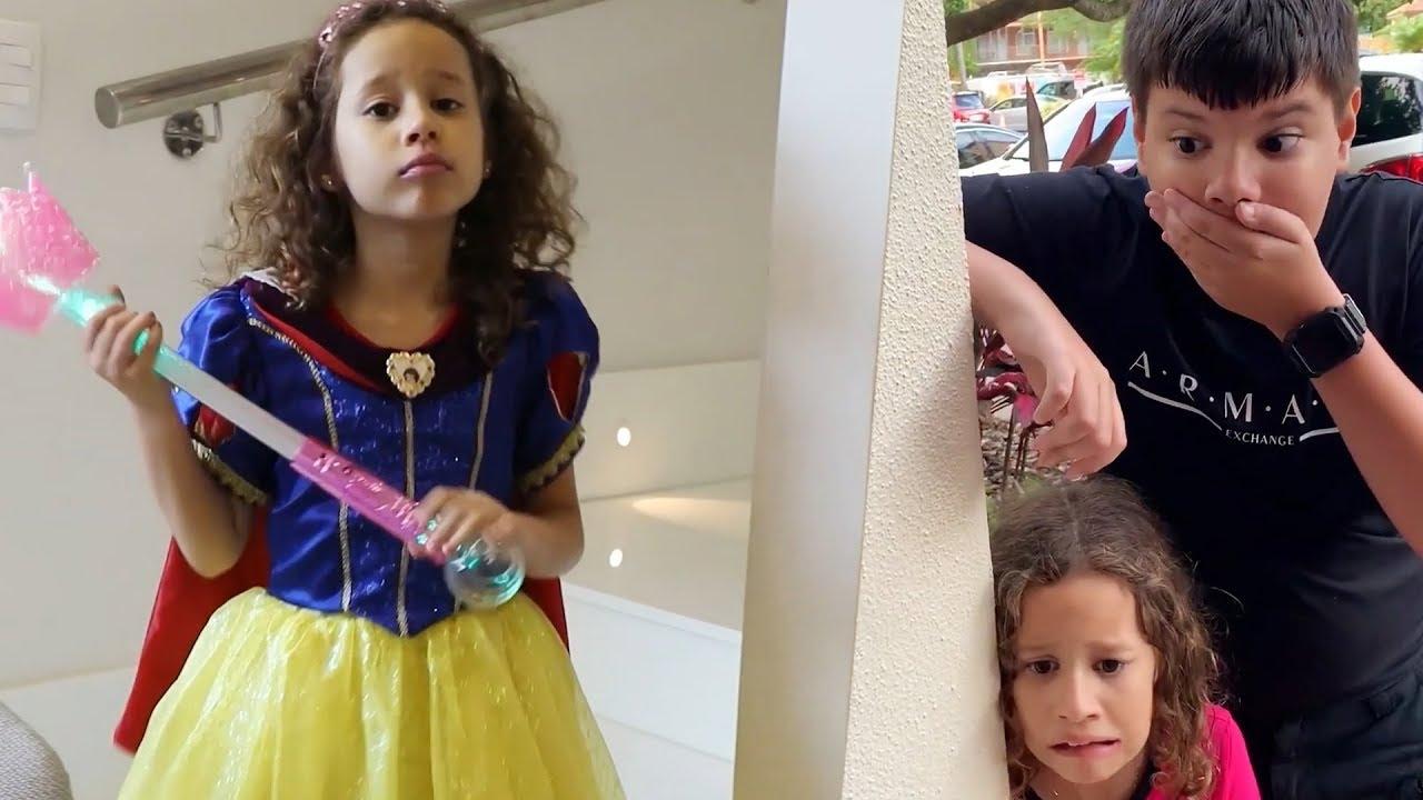 Valentina veste vestido de princesa em uma História Engraçada