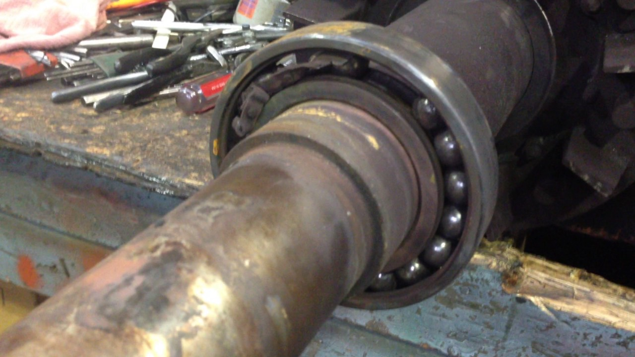Electric Motor Bearing Failure Youtube