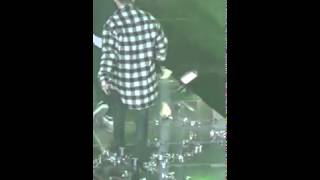 iKON JINHWAN SLIP AND FELL DURING MELON MUSIC AWARD 2015 MY TYPE