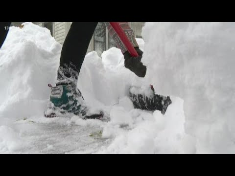 18 Inches Of Snow Falls In Saugatuck