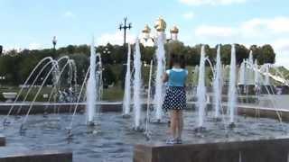 Музыкальный фонтан в г.Ярославле.Это надо смотреть и слушать!