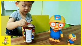 Pororo toy jajangmyeon mukbang ♡ kid black-bean-sauce noodles eating show | MariAndKids Toys