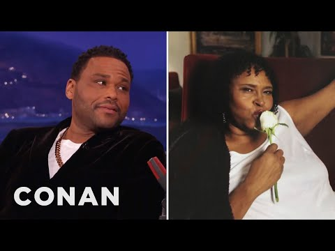 Anthony Anderson's Mom Carries Autographed Photos Of Herself  - CONAN on TBS