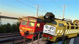 паровозик Томас и его друзья смотрим поезда дизель на прогулке видео про поезд для детей