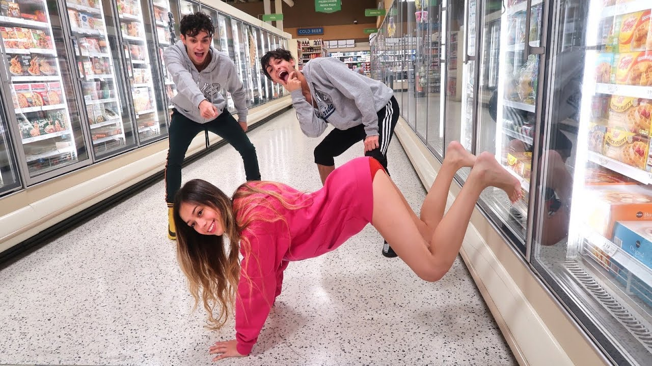 funny-dares-in-grocery-store-with-girlfriend