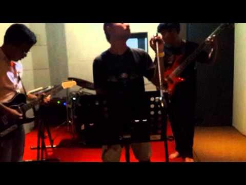 Trio Kwek Kwek - Mama Marah Cover by Glor