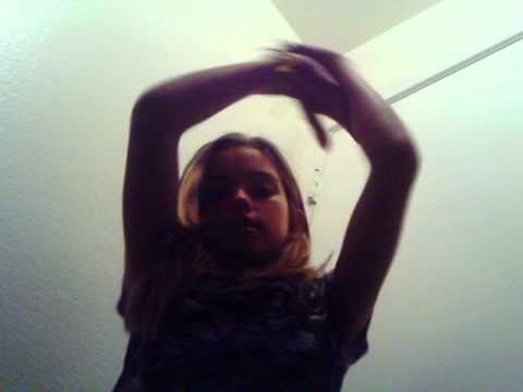 the justin biber hand move thingie mobober