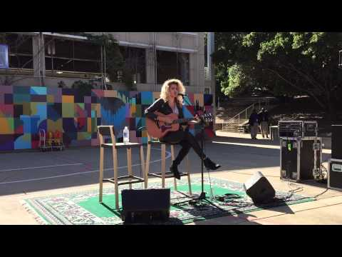 "Tori Kelly - Cover of ""Crazy"" by Seal (Live performance @ SBO-901)"