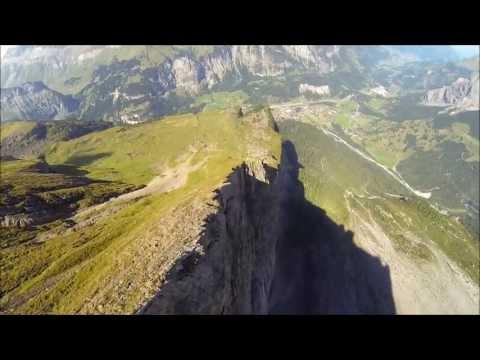 Wingsuit BASE jump - Kandersteg (Fisistok)