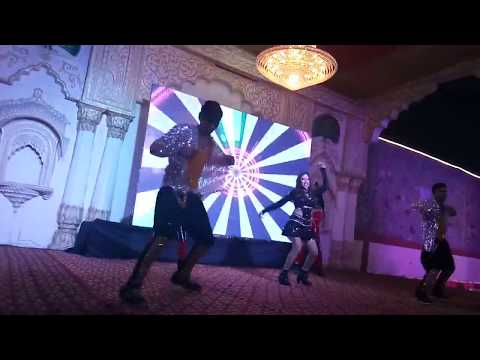 Dance on Tere Ishq Mein Naachenge - Raja Hindustani Dance on Stage in wedding