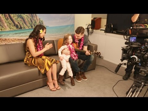 BEHIND THE SCENES - Claire sings with Auli'i Cravalho, the voice of Moana!!