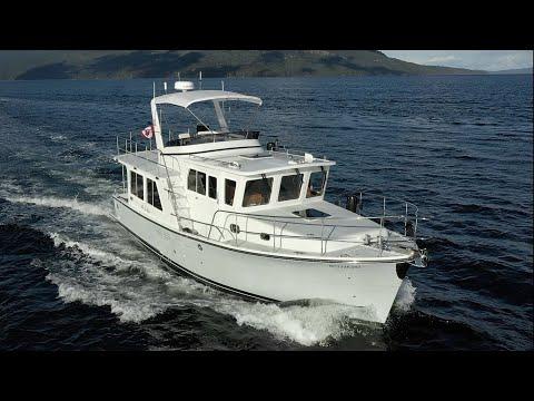 Helmsman Trawlers 38E Pilot House - Calibre Yachts