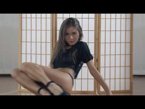 Guerlain showing her very hot body! #5