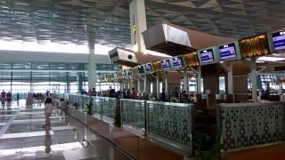 Bandara canggih Terminal 3 Ultimate di Bandara Internasional Soekarno Hatta.