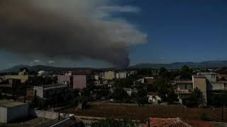 Greqia sërish në flakë, banorët e ishullit Evia në panik