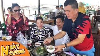 Đại ca ẩm thực Trương Phi tung bí quyết lẩu ghẹ nấu tiêu Nhật Cường thumbnail