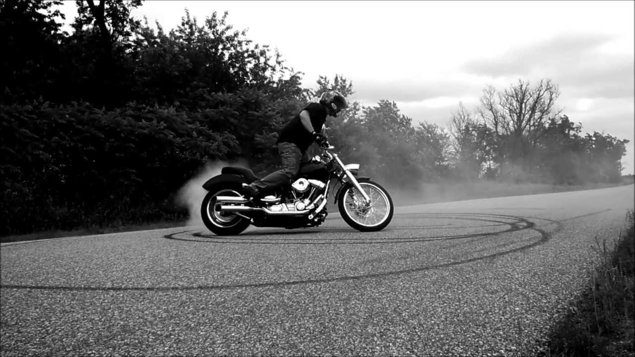Harley Softail Burnout