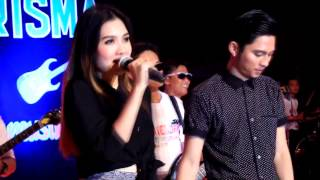 Download lagu Nella Kharisma feat Mahesa Welas Riko MP3