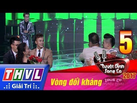 THVL | Tuyệt đỉnh song ca 2017- Tập 5[8]: Thí sinh bất ngờ tặng hoa cảm ơn cặp HLV Minh Vy - Cẩm Ly