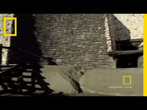 Tomb of Newgrange | National Geographic