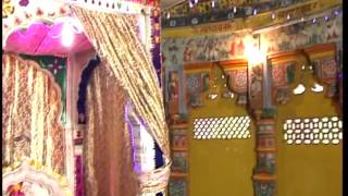 Watch aarti being performed at Surya Narayan mandir