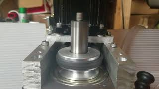 G0704 cnc mill - spindle motor and belt drive upgrade.  1500w brushless dc spindle motor and v belt