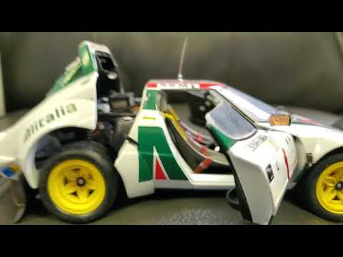 Lancia Stratos HF Rally Car by Kyosho 1:18th Scale