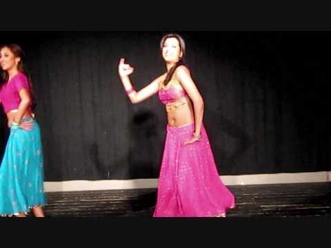 Dance Performance Bindiya Chamke Choori Khanke