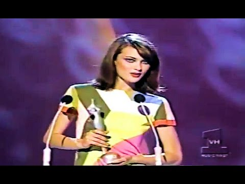 Rupaul announcing Shalom Harlow  Female Model of The Year 1995