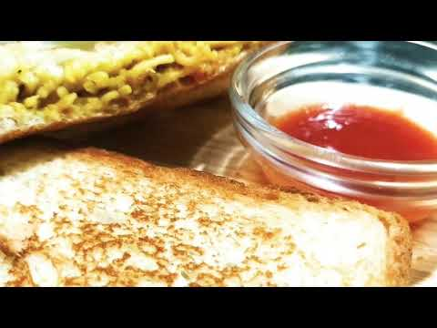 Street style Cheese Loaded Maggi Sandwich ab ghar par banaye sirf 10 minute mein.