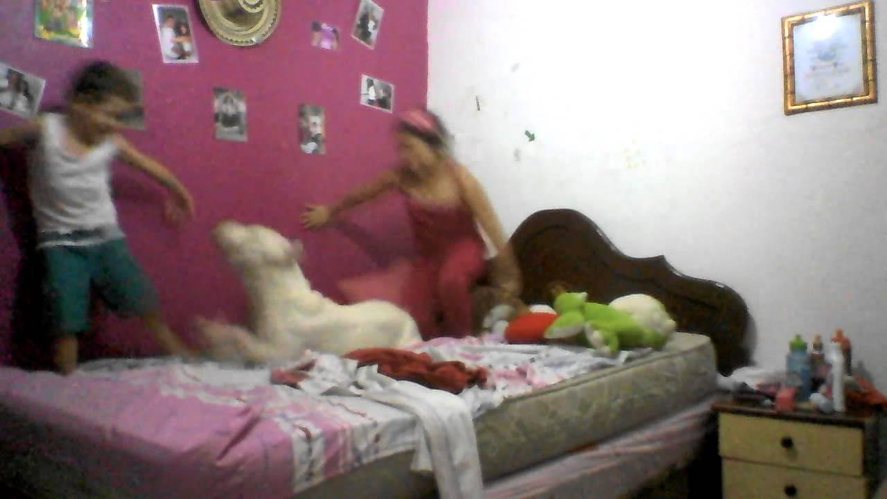 Mi pitbull jugando con los ni os de la casa youtube - Casas para ninos ...