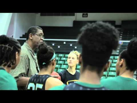 Hilltop Hoops: The Season, 3.4 - Bill Cartwright