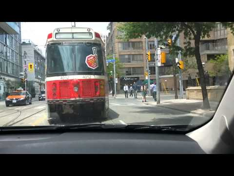 Lòng Dòng Downtown Toronto, Canada